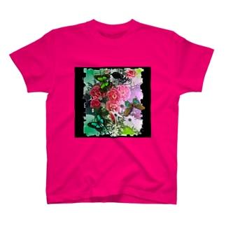 花と蝶々の遊び心 T-shirts