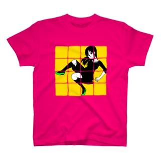 behind 升目 T-shirts