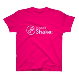 【DOGGYM Shake!】シンプルロゴ(白) T-shirts