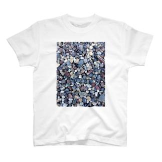 砂利の浜 Tシャツ