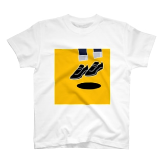 浮く Tシャツ