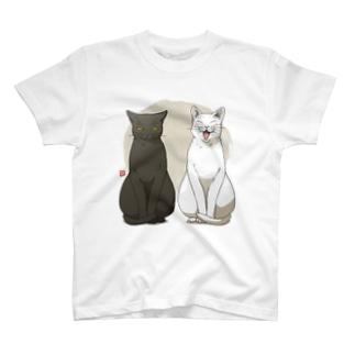 白猫黒猫お座り Tシャツ