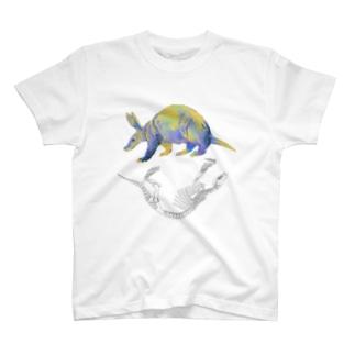 ツチブタとホネ[White] Tシャツ
