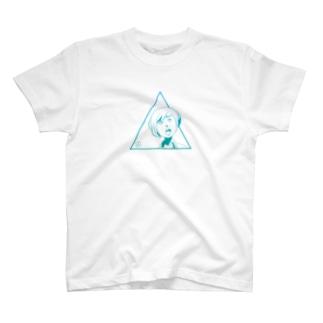 怪訝な表情をした女の子2 Tシャツ