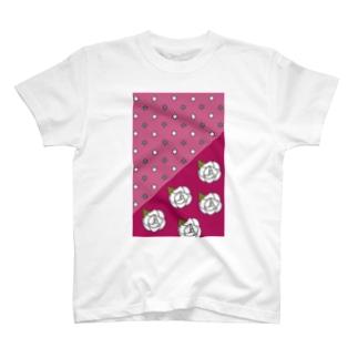 花の見る夢(赤) Tシャツ