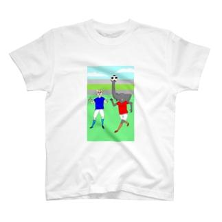 ボールを運ぶゾウ Tシャツ
