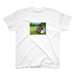 お花と踊る Tシャツ
