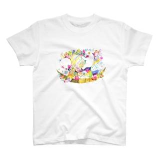 クマの育児 Tシャツ