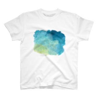 絵の具が染みた Tシャツ