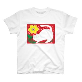 猫と黄色いお花 Tシャツ