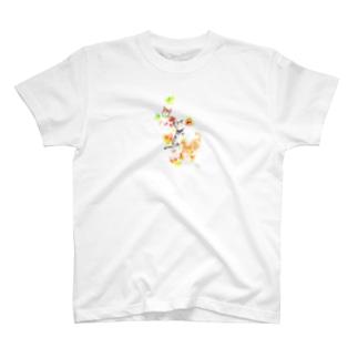 猫と落葉 Tシャツ