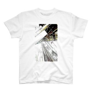 視線に気づかぬまま始発に飛び込んだサラリーマン Tシャツ
