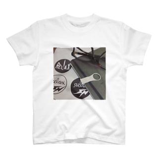 メガネとノートのUSBとMacbook Tシャツ