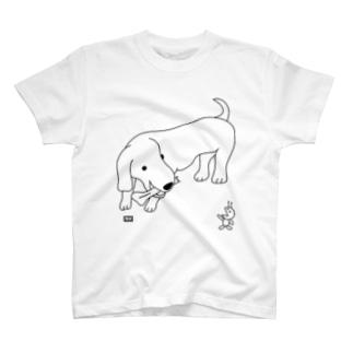 ミニチュアダックスとアリ(codycoby) Tシャツ