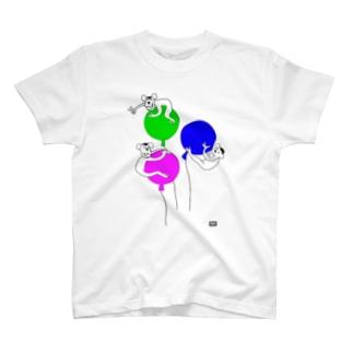おさるさん風船遊び(codycoby) Tシャツ