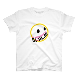 ALL YOU NEED IS SMILE. Tシャツ