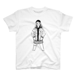 仁王立ガム女 Tシャツ