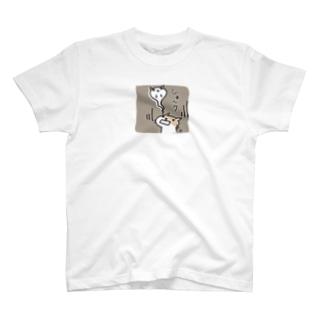 ショック(ご近所ネコのTさん) Tシャツ