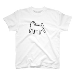 後ろが気になる犬 Tシャツ
