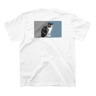 "- NNSS -の猫-NNSS-2019""2tone gray"" T-shirtsの裏面"