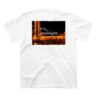真夜中の歩道橋 T-shirts