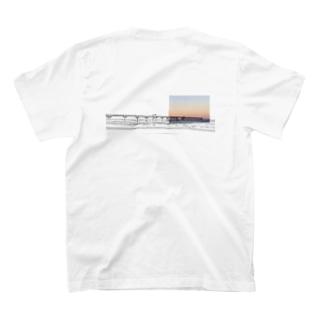 桟橋 バックプリント T-shirts