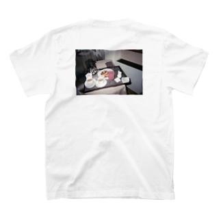 グアムの朝ごはん T-shirts