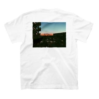 らしさ T-shirts