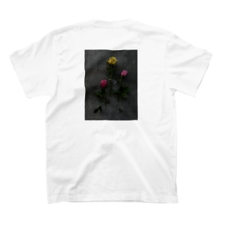 WEEKENDの拘束薔薇 T-shirts