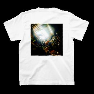 釈迦町の倉庫内 T-shirts