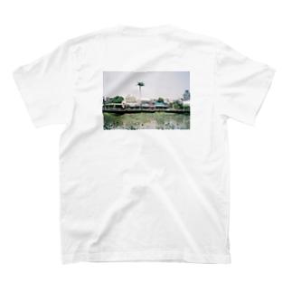 心にいつも一本の木を(バックプリント) T-shirts