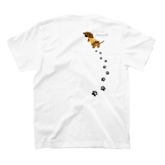 Following Me?【Sシェイデッドレッド/GIRL】 T-shirts