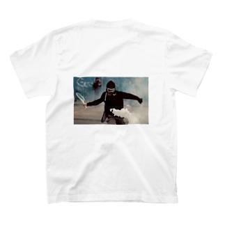 打ち勝つ T-shirts