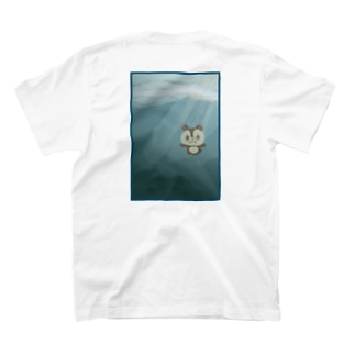 泳ぐりす次郎 T-shirts