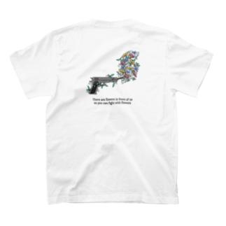 拳銃には花を(バックプリント) T-shirts