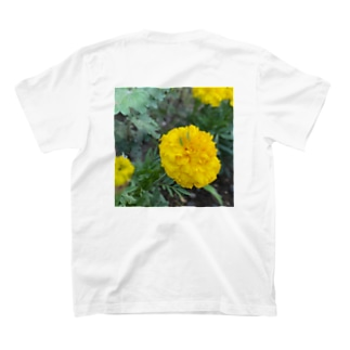 バッタの赤ちゃん T-shirts