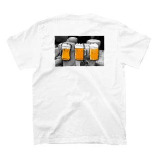 simple thingsのBeer me items T-shirtsの裏面