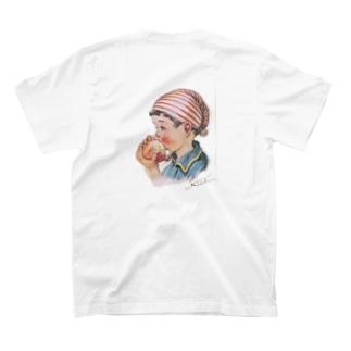 リンゴを食べる少女 T-shirts