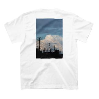 夏の雲 背面 T-shirts