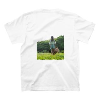 少女とクマと T-shirts