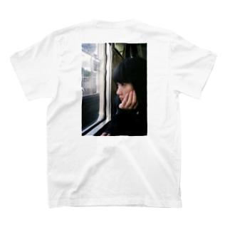 少女 T-shirts