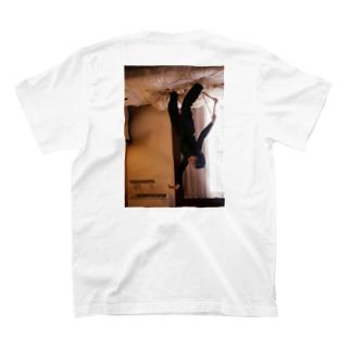 重力に逆らえ T-shirts