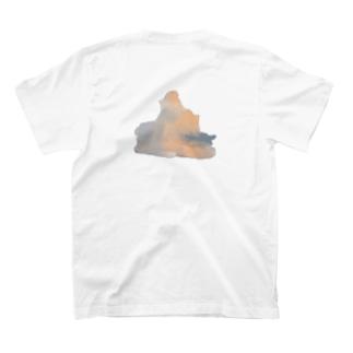 雲雲 T-shirts