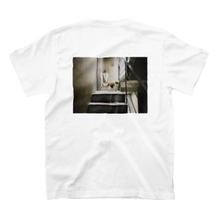 タタミは茶白ねこ2 T-shirts