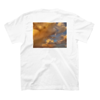 西洋画に憧れた朝 T-shirts