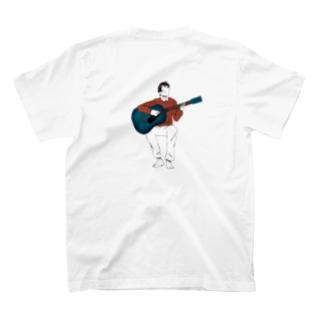 弾き語りの男の子 T-shirts