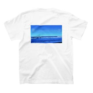 背中プリント また輝く日まで T-Shirt