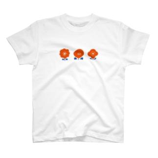 3つのお花( 赤 ) T-shirts