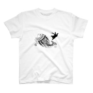 猫とさかな(メヘンディ) T-shirts