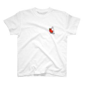ケーキ屋さん 抱く いちご T-shirts